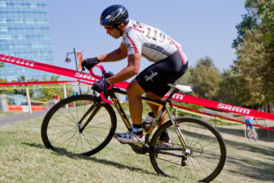 Van Geslani (Dons Bikes) Won the First Race of 2014-15 - WSCXGP Cat C