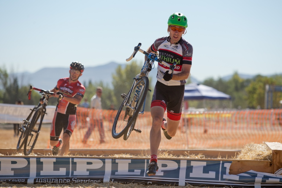 Brian Wallace (Velo Reno) Executes a Suitcase Carry through the Hay Pit