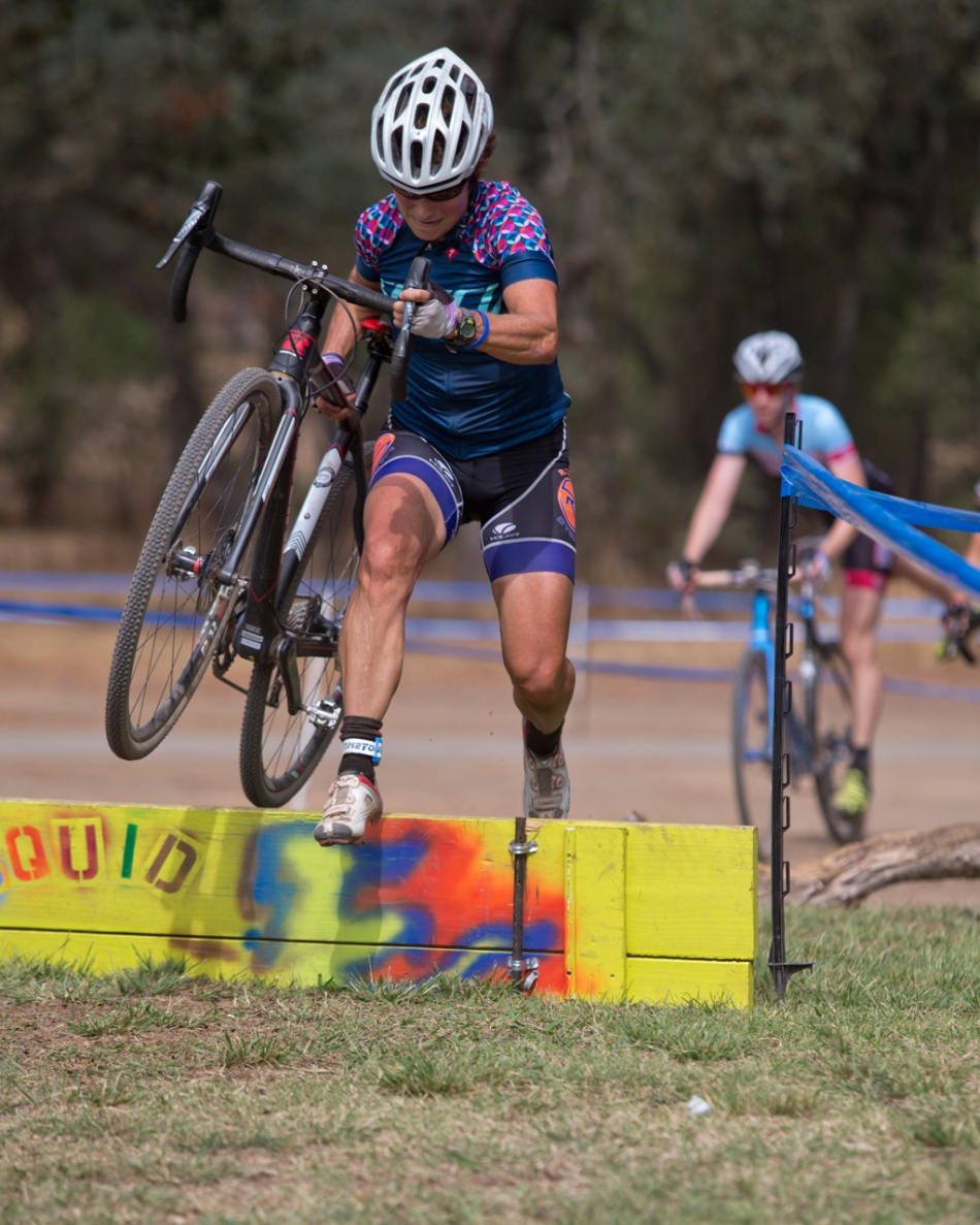 Julie Young (Roseville Cyclery) Showing Good 'Cross Skills