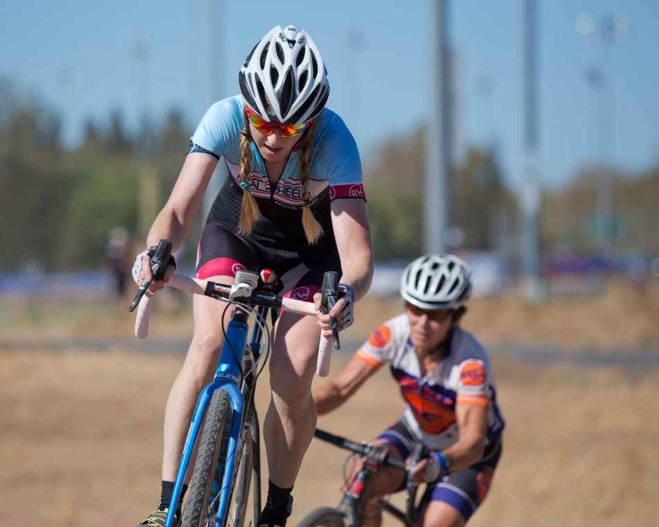 Hollie McGovern (Real Wheels) leads early over Julie Young (Roseville Cyclery)