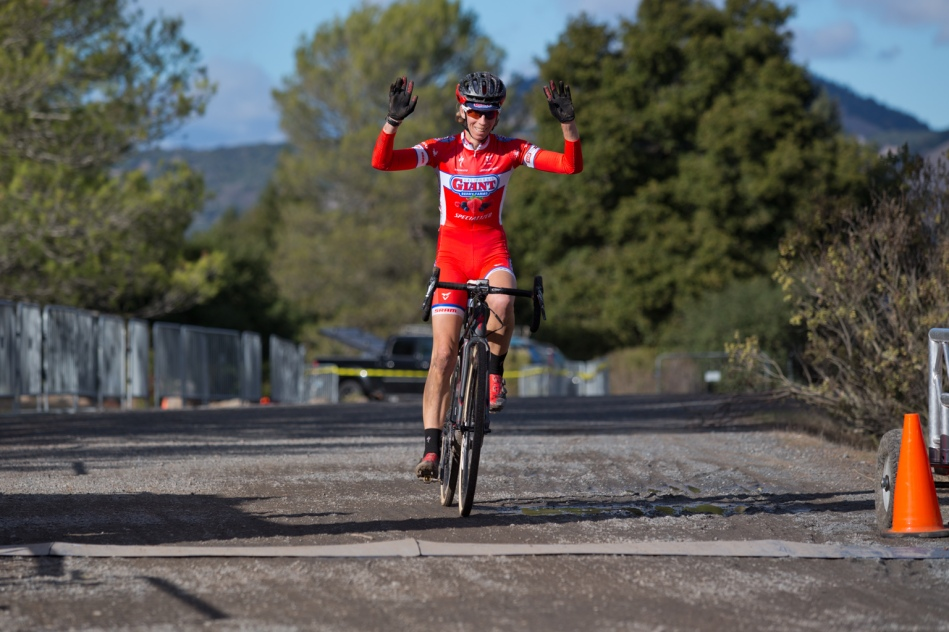 Lloyd Dominates Women A on the Last Day of the 2015 Santa Rosa Cup CX