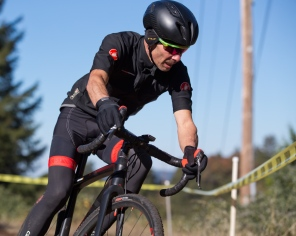Jon Suzuki Looking Swank and Racing Hard