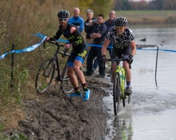 Phillip Violett Passes on the Wet Side